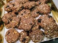 Коледни бисквитки (сладки) с овесени ядки, боровинки и протеин на прах